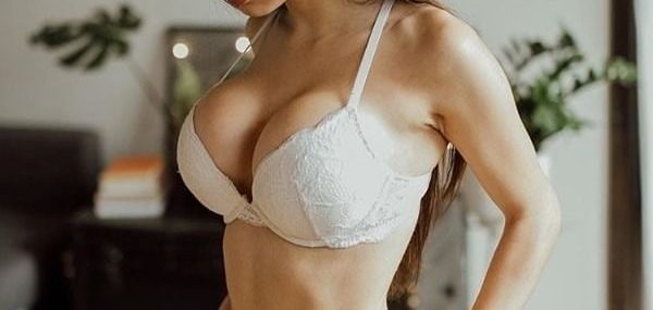 Feel Sexy & Happy With Independent Delhi Escorts